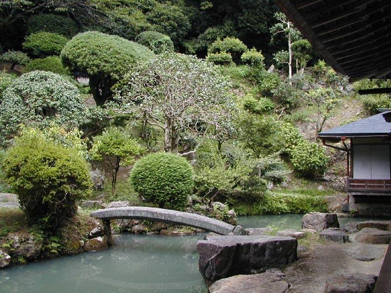 Il giardino giapponese ornamenti e decorazioni mente e for Ornamenti giardino